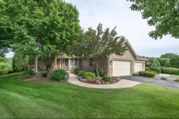610 Chadburn Ct A, Brookfield, WI 53045-0627