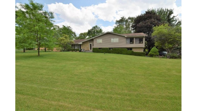 16935 Beverly DR Brookfield, WI 53005-2754 by Premier Point Realty Llc $240,000
