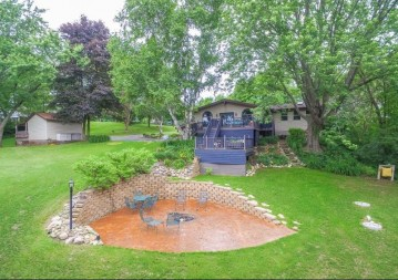 4461 Holly Ln, West Bend, WI 53090-9365
