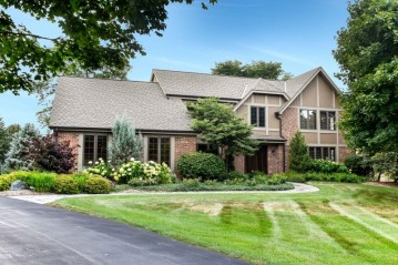 1815 Putneys Ct, Brookfield, WI 53045-2131