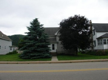 221 W Commercial St, Viola, WI 54664