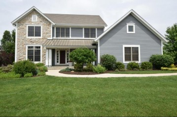 S73W15444 Cherrywood Ct, Muskego, WI 53150-7940