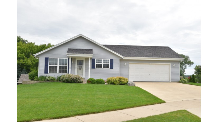 1079 Cleveland Ave Hartford, WI 53027-2777 by Shorewest Realtors $239,900
