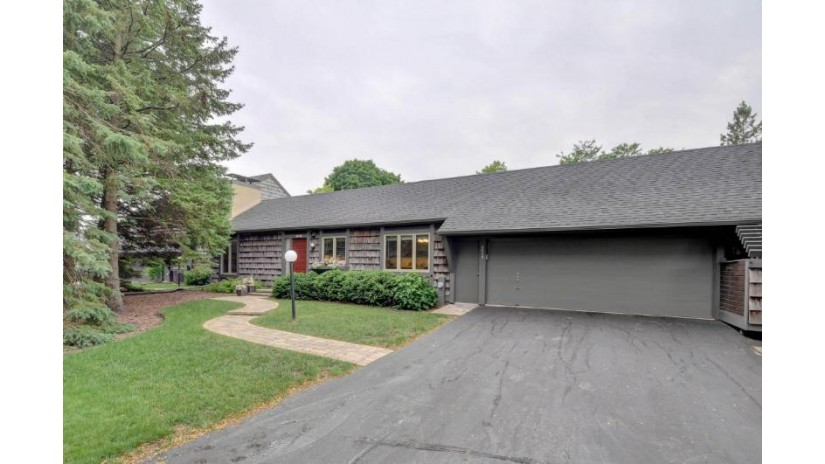 2013 2ND PL Somers, WI 53140-1026 by Re/Max Newport Elite $249,900