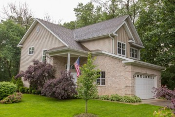 N8986 Swift Lake Rd, Troy, WI 53120