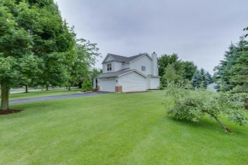 8325 204th Ct, Bristol, WI 53104-9155