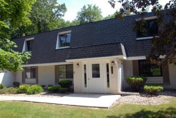 20155 Independence Dr A, Brookfield, WI 53045-5384