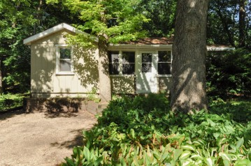 1115 Wilmot Ave, Twin Lakes, WI 53181-0383