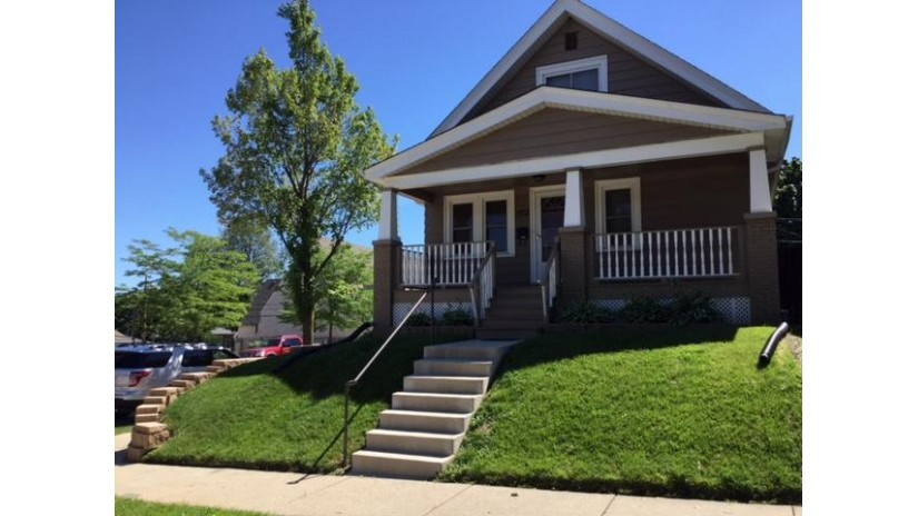 1702 S 58TH ST West Allis, WI 53214-5117 by Benefit Realty $164,000