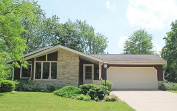 4699 Sterling Dr, Greendale, WI 53129
