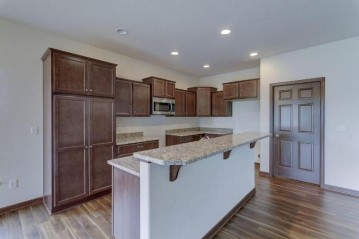 484 Woodfield Cir, Waterford, WI 53185