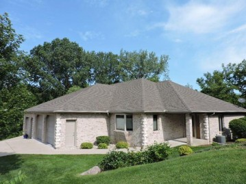 1230 W Sherman AVE, Fort Atkinson, WI 53538-1541