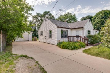 3900 Beaumont Ave, Dover, WI 53139-9527