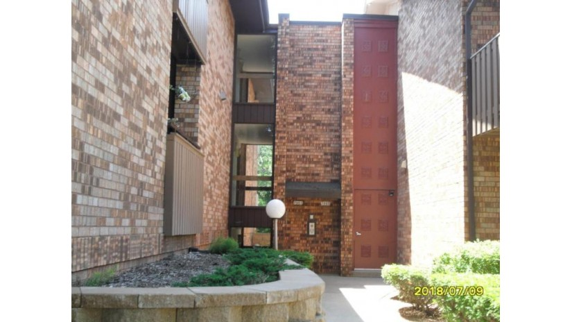 7005 N Green Bay Ave B Glendale, WI 53209-2851 by Coldwell Banker Residential Brokerage $70,000