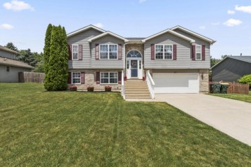1846 Sunset Dr, Twin Lakes, WI 53181-9249