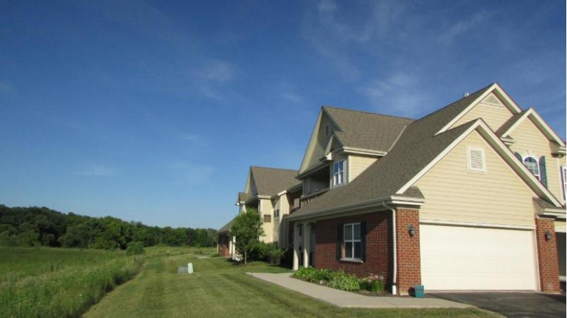 2460 W Colonial Woods Dr Oak Creek, WI 53154-2675 by Re/Max Realty 100 $214,900