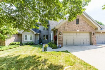 18775 Follett Dr, Brookfield, WI 53045-6183