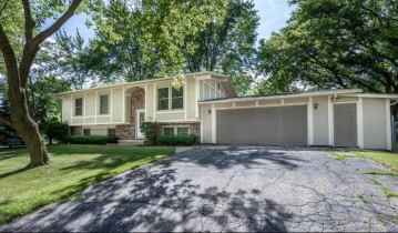 701 Central Ave, Deerfield, WI 53531