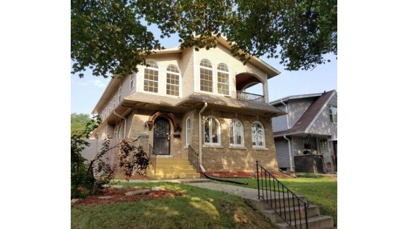 2951 N 49th St Milwaukee, WI 53210-1636 by Williams & Associates Realty $165,900