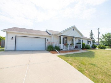 10660 S Emerald Meadows Dr, Oak Creek, WI 53154-6628