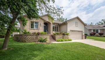 4262 S 98th St, Greenfield, WI 53228-2175