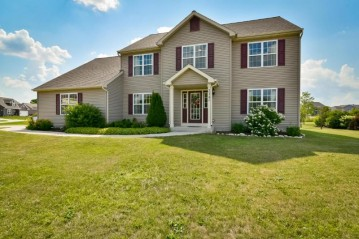 314 Brookview Dr, West Bend, WI 53095-3523