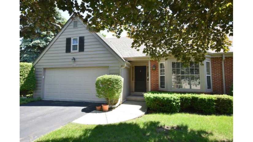 10650 N Winslow Dr Mequon, WI 53092-5066 by Coldwell Banker Residential Brokerage $325,000