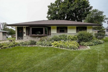 7325 Dartmoor Ave, Greendale, WI 53129-2238