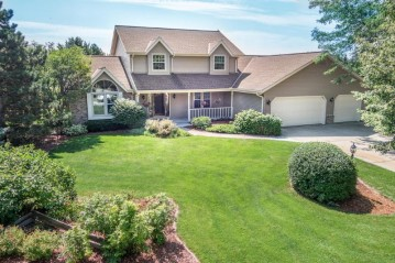 S80W19321 Highland Park Dr, Muskego, WI 53150