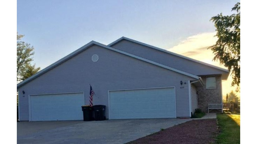 609 Wellington Dr 611 West Bend, WI 53090-2874 by Realty Executives - Integrity $349,500