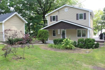 12724 229th Ave, Salem, WI 53104-9331