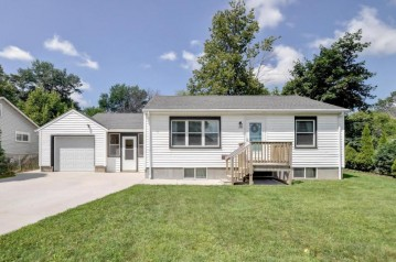722 Vine St, Union Grove, WI 53182-1041
