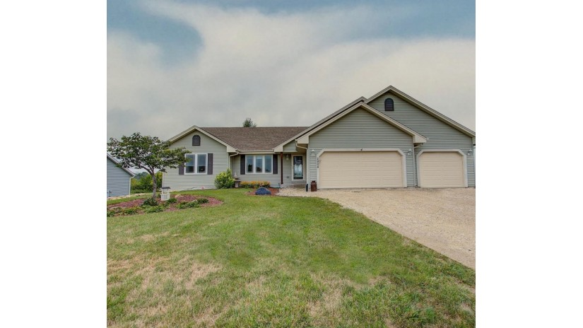 2904 Loretta Ln Barton, WI 53090-8666 by Shorewest Realtors $294,900