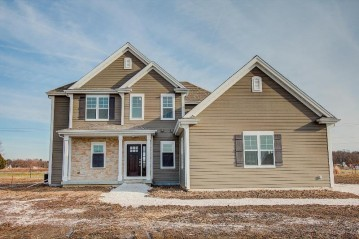 W275N7012 Red Barn Ct, Merton, WI 53029-5000