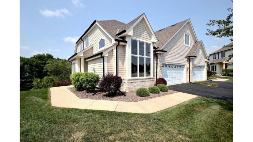510 Heather Glen Ct Waukesha, WI 53188-5720 by First Weber Inc - Delafield $399,900