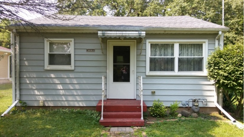 N1155 Rosewood Dr Bloomfield, WI 53157 by Shorewest Realtors $79,900