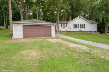 631 Hickory Rd, Twin Lakes, WI 53181