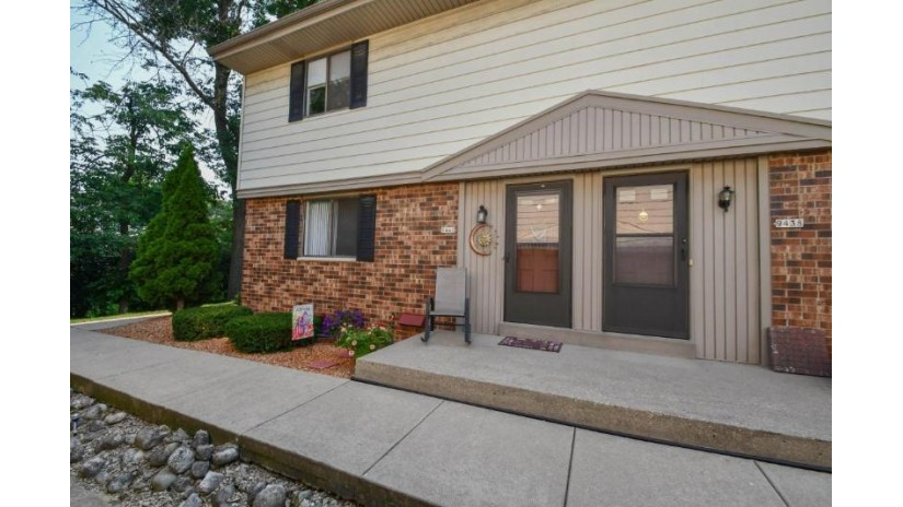 9440 W Maple Ct West Allis, WI 53214 by Realty Executives - Integrity $124,900