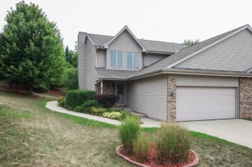 1211 White Sands Ct, West Bend, WI 53090-5431