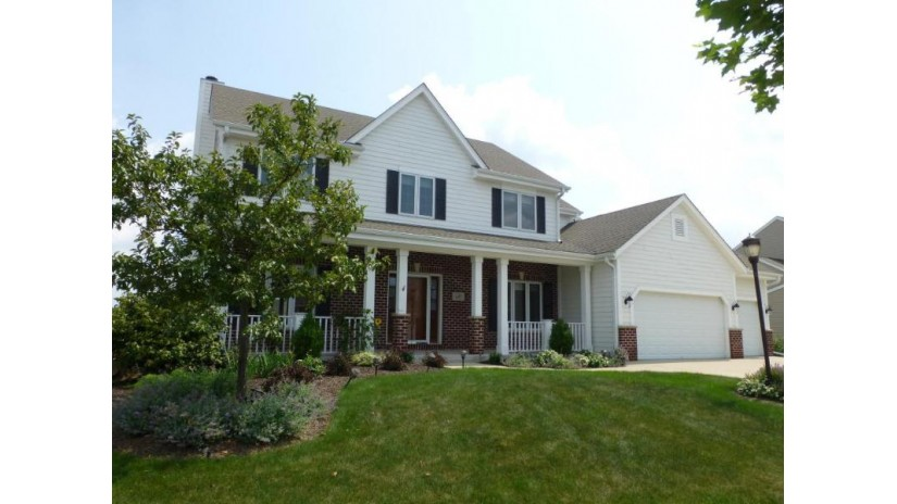 1801 Glacier Ridge Rd Waukesha, WI 53188-2692 by Coldwell Banker Residential Brokerage $415,000