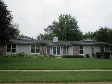 S78W18287 Lions Park Dr, Muskego, WI 53150-7851