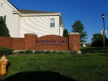 2135 Rainbow Lake Ln 127, West Bend, WI 53090-2900
