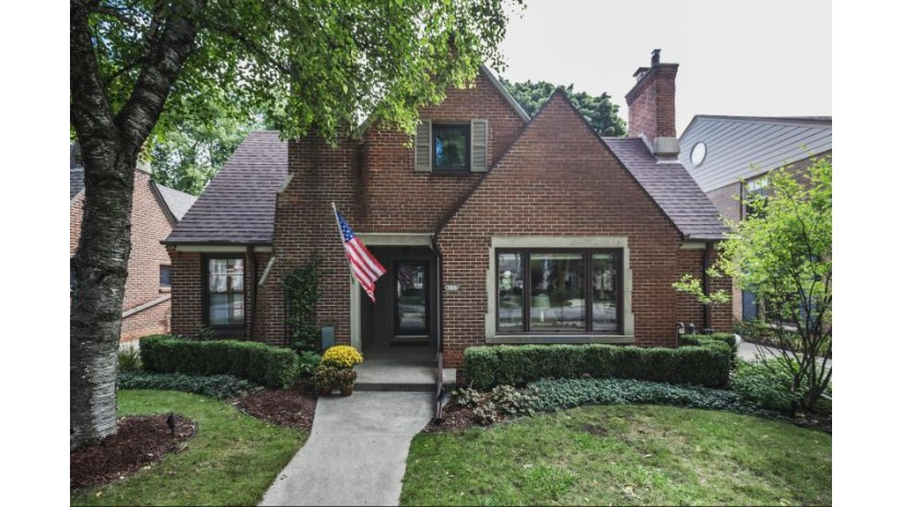 4648 N Woodburn St Whitefish Bay, WI 53211-1124 by Keller Williams Realty-Milwaukee North Shore $575,000