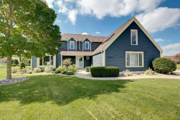 28847 Cardinal Ct, Waterford, WI 53185-1189