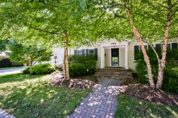 2401 E Lake Bluff Blvd, Shorewood, WI 53211-1727