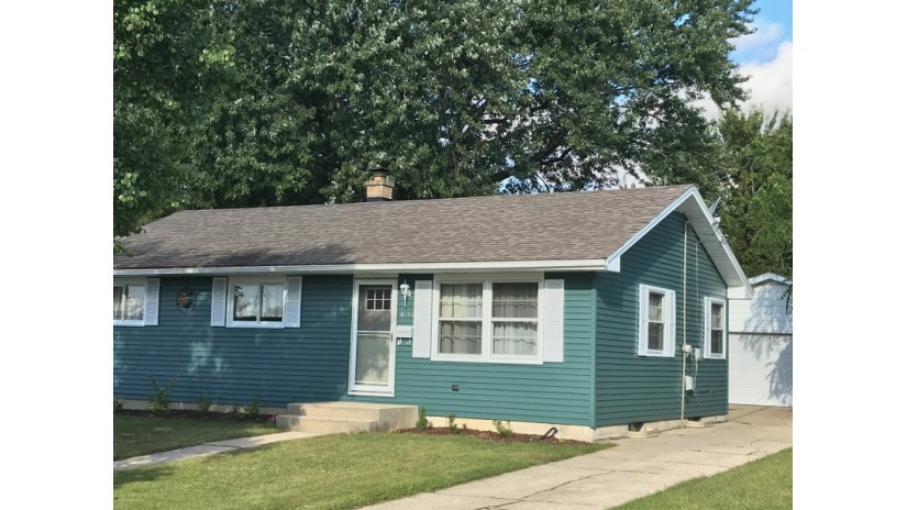 3130 Windsor Dr Racine, WI 53404-1951 by Shorewest Realtors $127,900