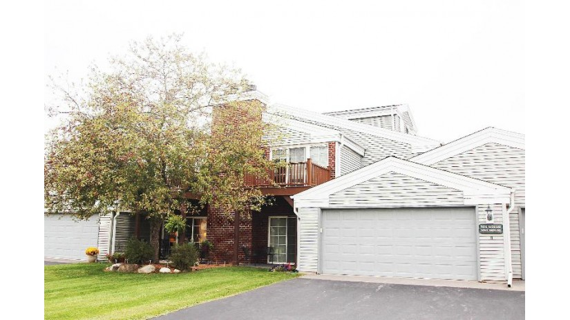 N16W26561 Wild Oats Dr A Pewaukee, WI 53072-5579 by Realty Executives Integrity~Cedarburg $190,000
