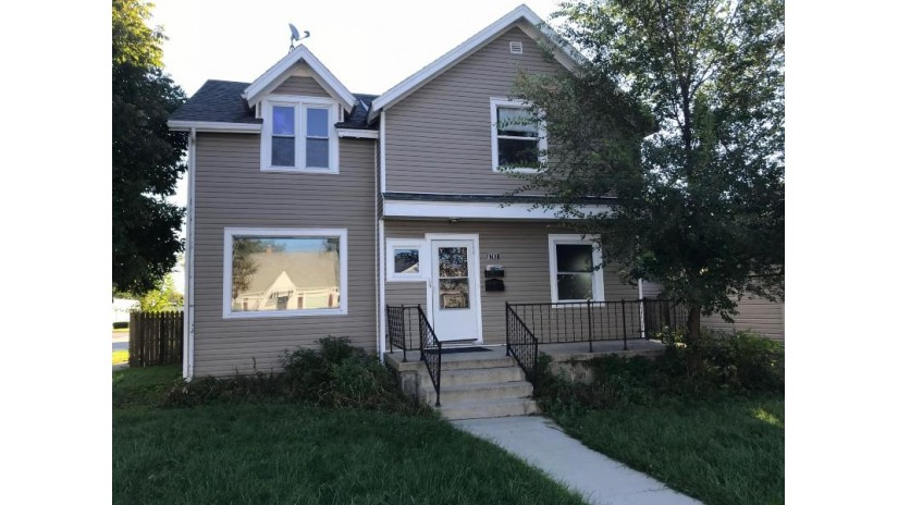 6703 35th Ave Kenosha, WI 53142-3427 by Welcome Home Real Estate Group, Llc $123,900