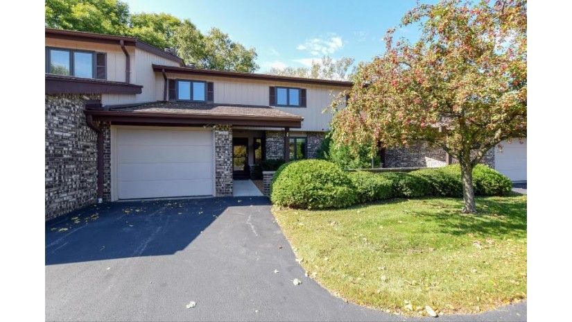 12840 N Colony Dr Mequon, WI 53097-2301 by Realty Executives Integrity~cedarburg $229,900