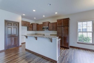482 Woodfield Cir, Waterford, WI 53185